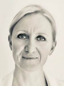 Cécile CLERC portrait2-225x300
